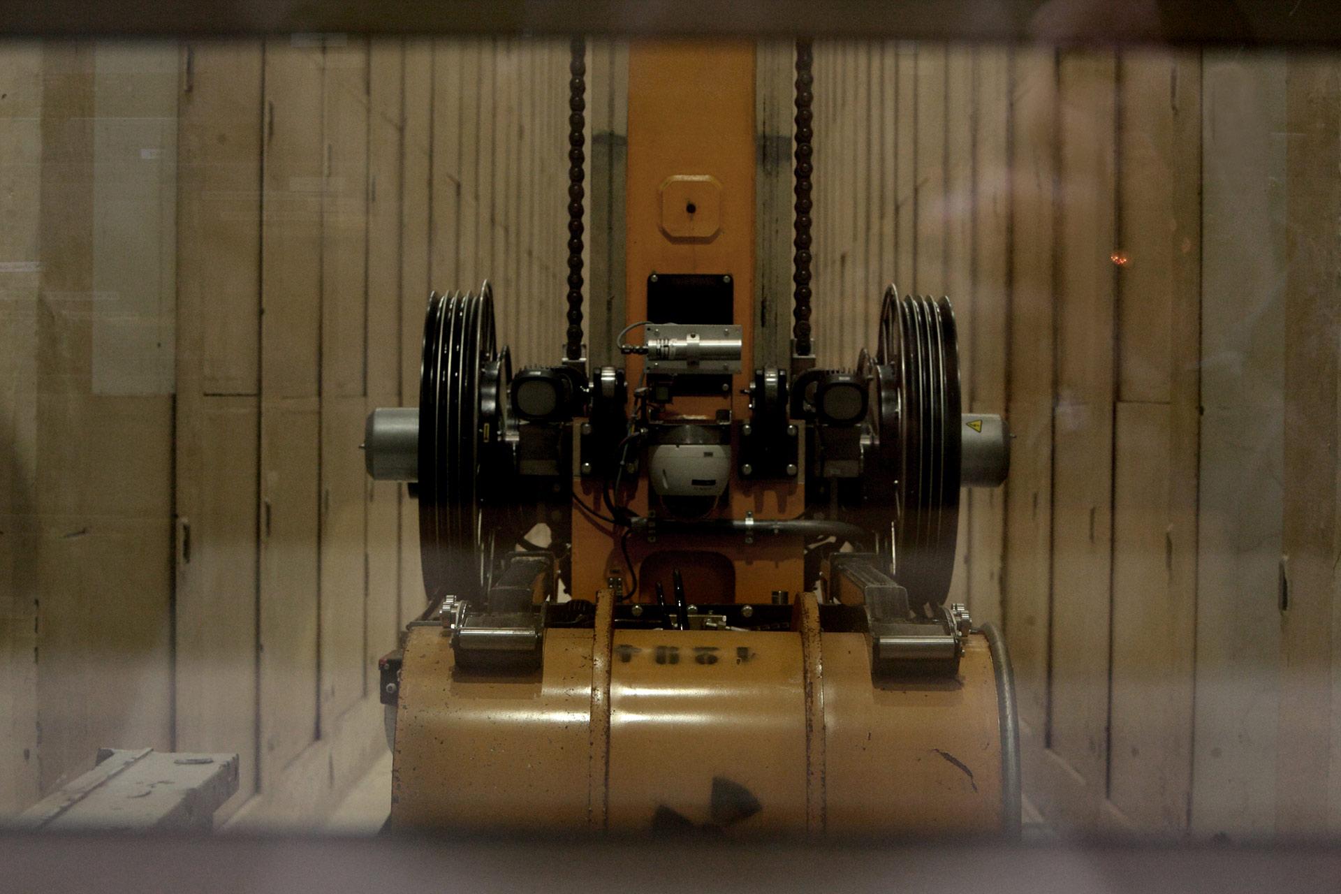 Estrazione remotizzata fusto radioattive da deposito ERSMA