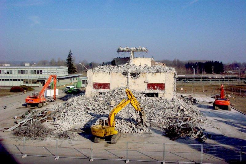 /uploads/archive/foto/Centrale_Trino_demolizione-di-un-edificio.jpg